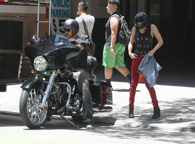 LeAnn Rimes - ostra laska ze swoim motocyklistą (FOTO)