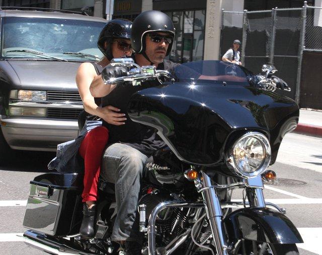 LeAnn Rimes - ostra laska ze swoim motocyklist� (FOTO)
