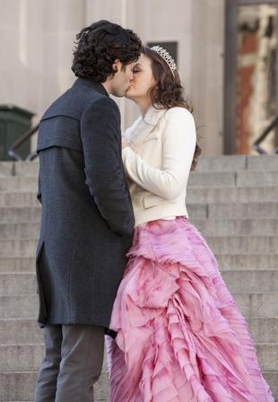 Leighton Meester całuje się z Pennem Badgley'em (FOTO)