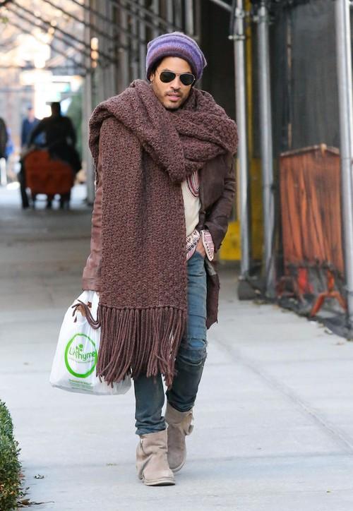 Lenny Kravitz w zgodzie z obecnymi trendami (FOTO)