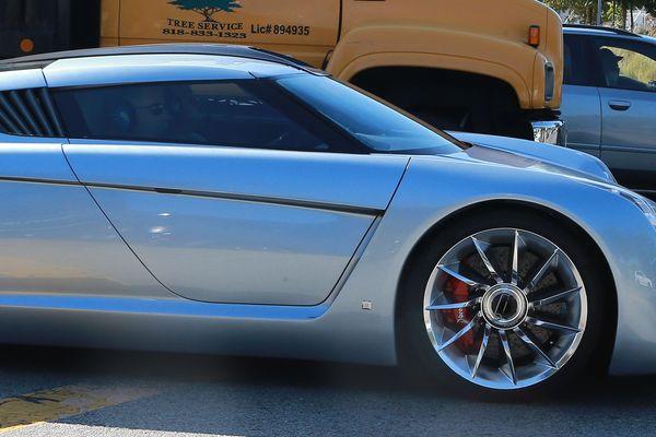 Jay Leno i jego kosmiczne auto (FOTO)