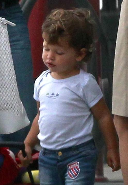 Ależ ten synek Penelope Cruz uroczy! (FOTO)