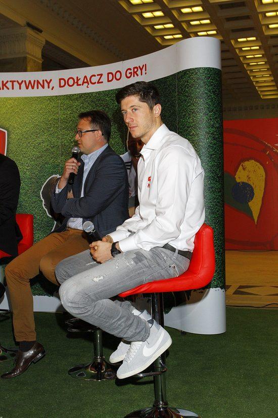 Robert Lewandowski tłumaczy brak czasu dla fanów