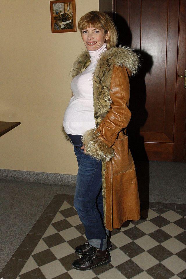 Ma�gorzata Lewi�ska pozuje z ci��owym brzuszkiem (FOTO)