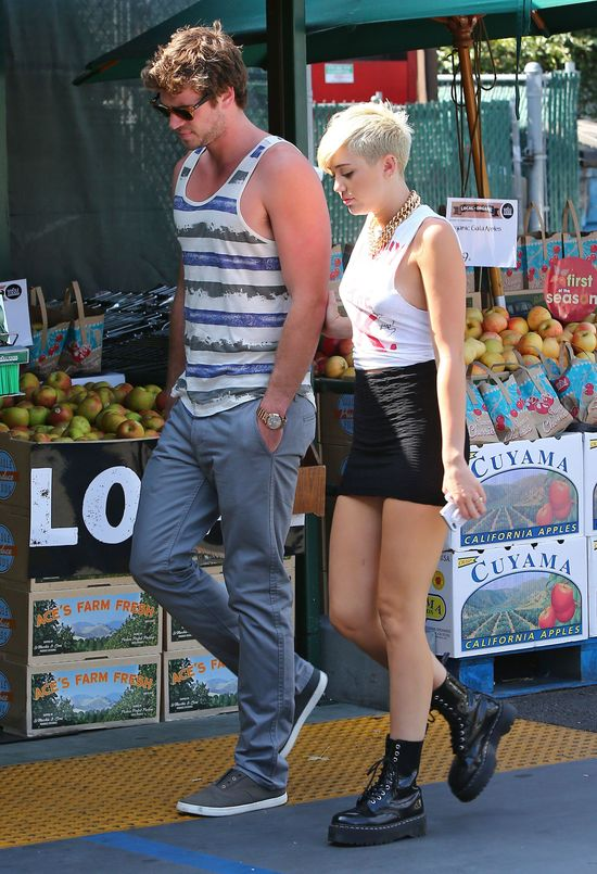 Miley Cyrus jest ca�kowicie zakochana w Liamie Hemsworthcie