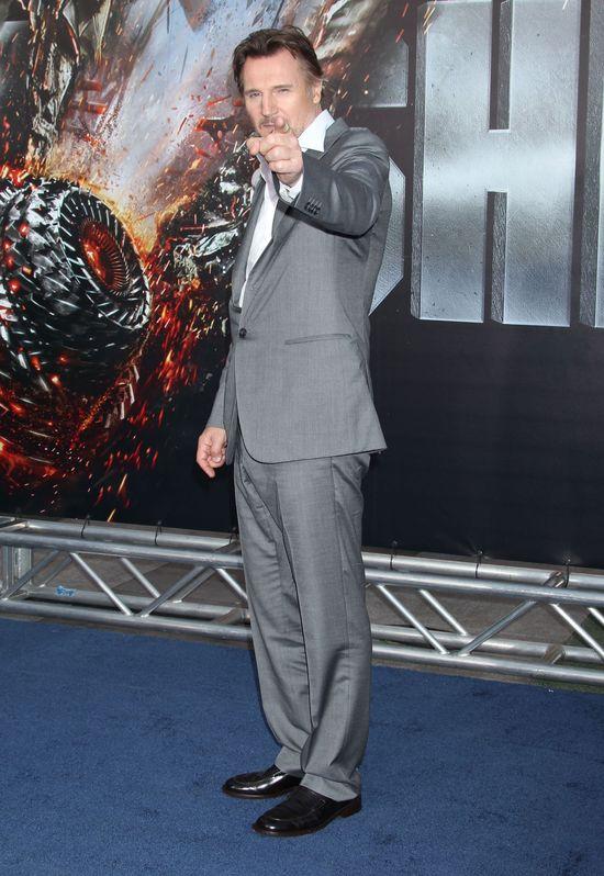 Liam Neeson przyzna�, �e jest dobrze wyposa�ony