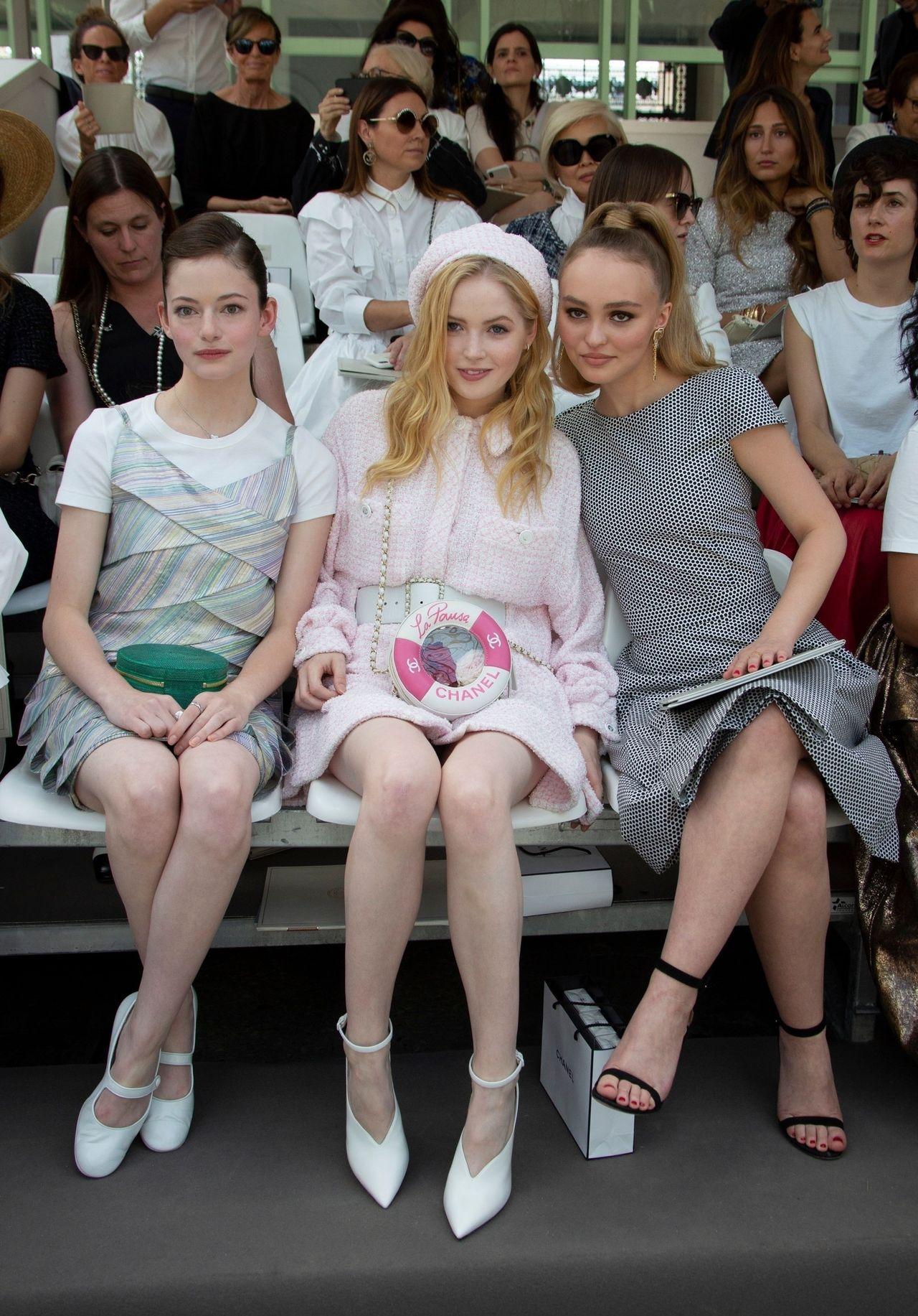 Nowa fryzura Lily Rose Depp już jest HITEM  (ZDJĘCIA)