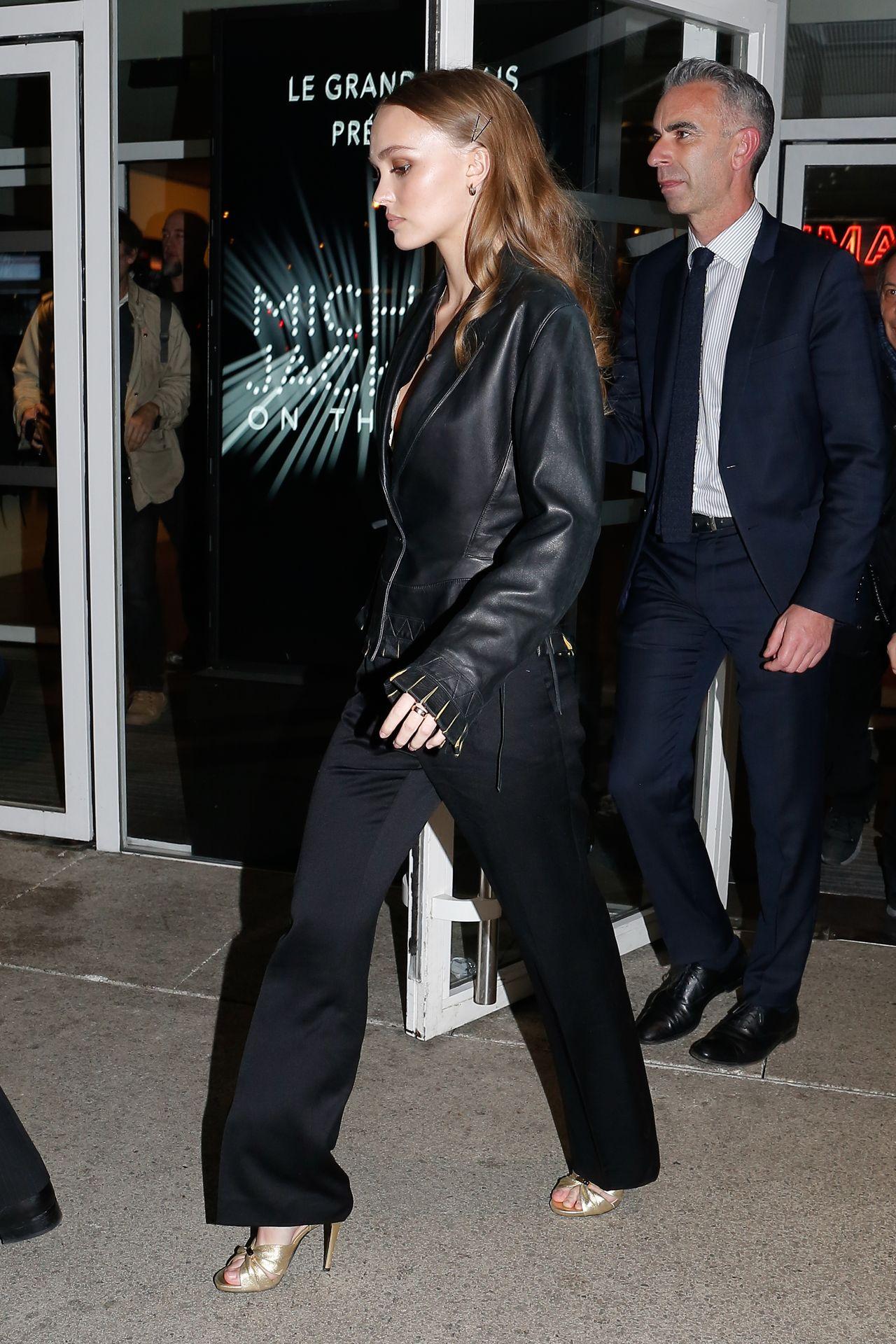 19-letnia córka Johnny'ego Deppa, Lily Rose Depp, naturalnie piękna na premierze