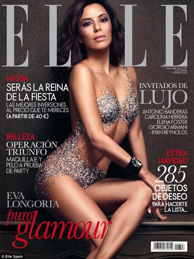 Na okładce Elle ma na sobie tylko kryształki (FOTO)