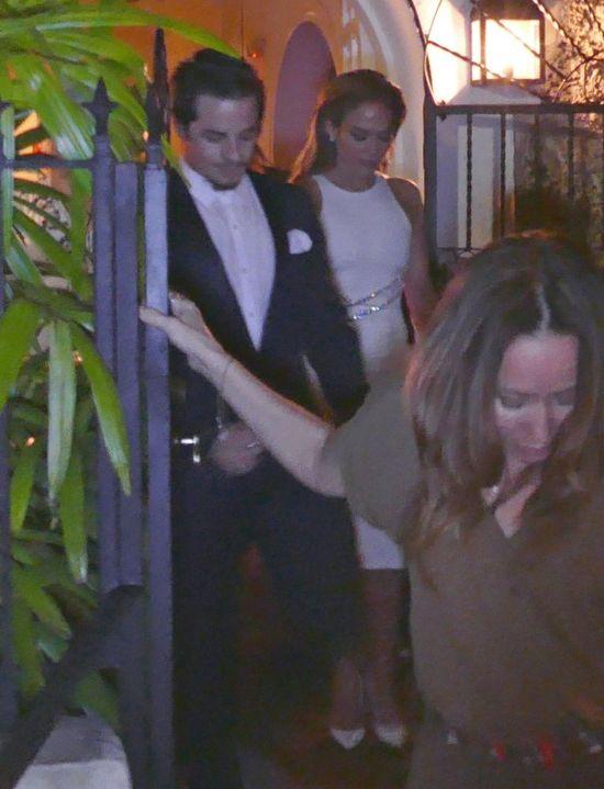 Jennifer Lopez przy�apana na randce (FOTO)