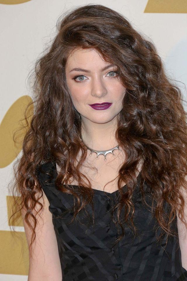 Lorde nie wstydzi się niedoskonałej cery (FOTO)
