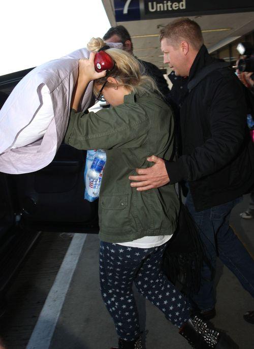 Demi Lovato nie pozwoliła sfotografować twarzy po podróży