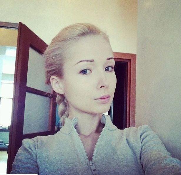 Jak Valeria Lukyanova wygląda bez makijażu? (FOTO)