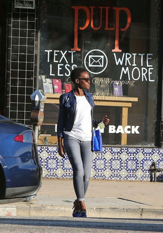 Lupita Nyong'o w końcu przyłapana przez paparazzi! (FOTO)