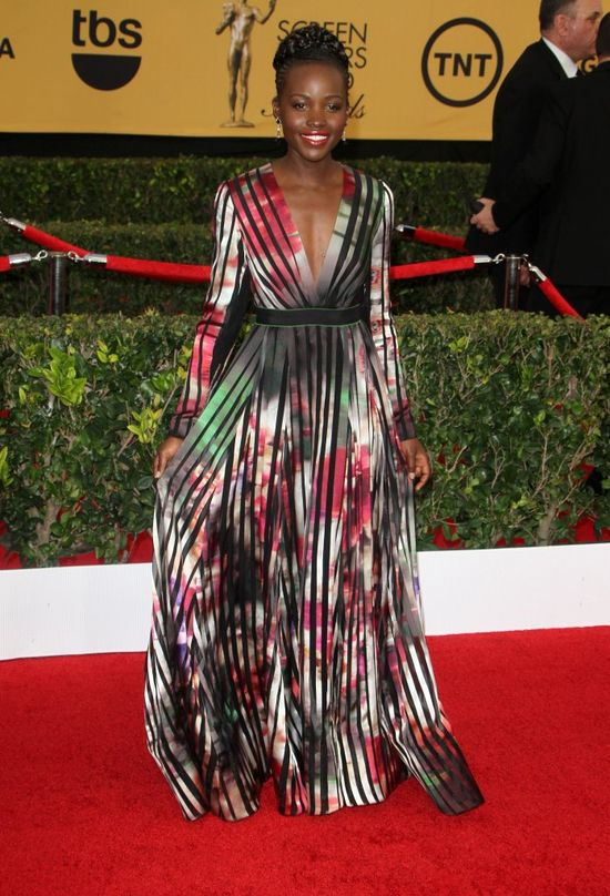 Lupita Nyong'o raz kolejny została królową imprezy? (FOTO)