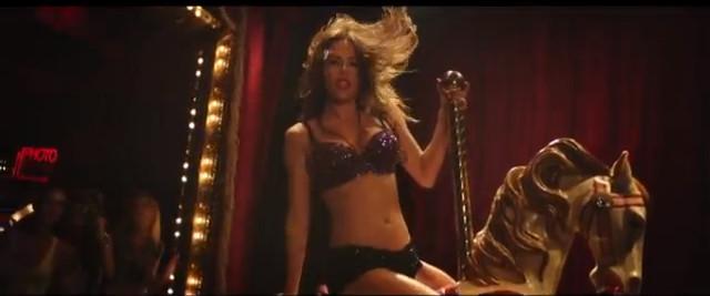 Miley Cyrus całuje jednorożca na nowym klipie (VIDEO)