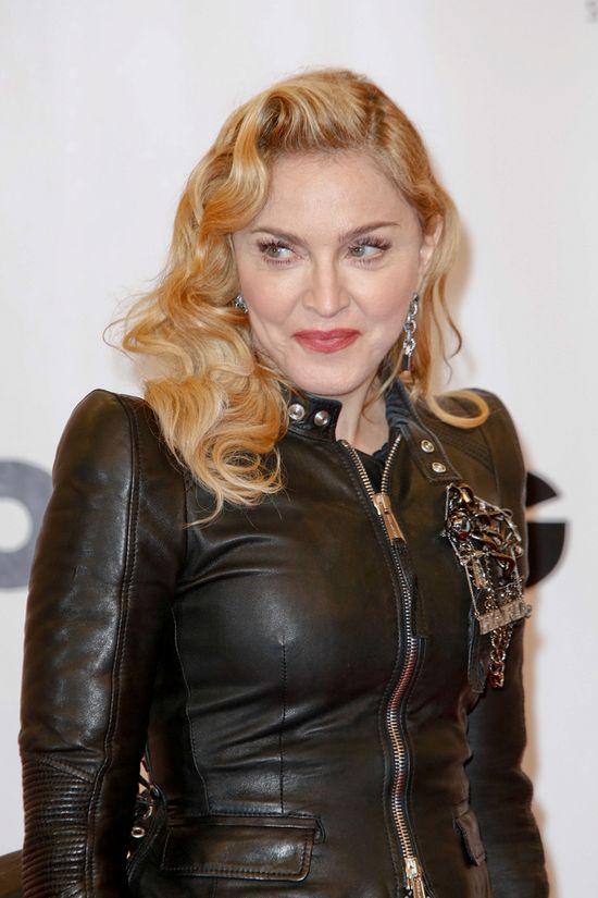 Giorgio Armani ostro o Madonnie