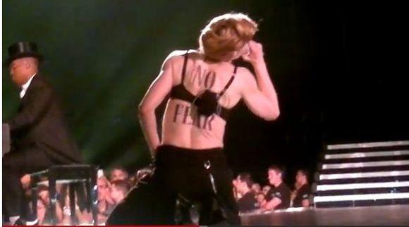 Madonna pokaza�a ty�ek na koncercie (FOTO)