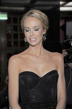 Magda Mielcarz pokazała teledysk w klimacie 50 twarzy Greya