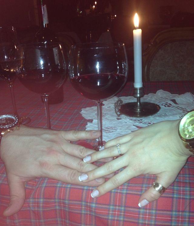 Niegrzeczna Pani Domu zaręczyła się (FOTO)