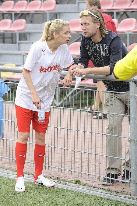 Zawadzka i Schejbal kopią piłkę (FOTO)