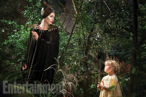 Angelina Jolie straszy W�ASN� c�rk�! (FOTO)