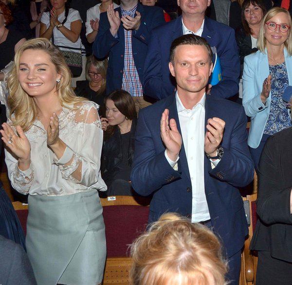 Małgorzata Socha z mężem, Krzysztofem Wiśniewskim, na premierze (FOTO)