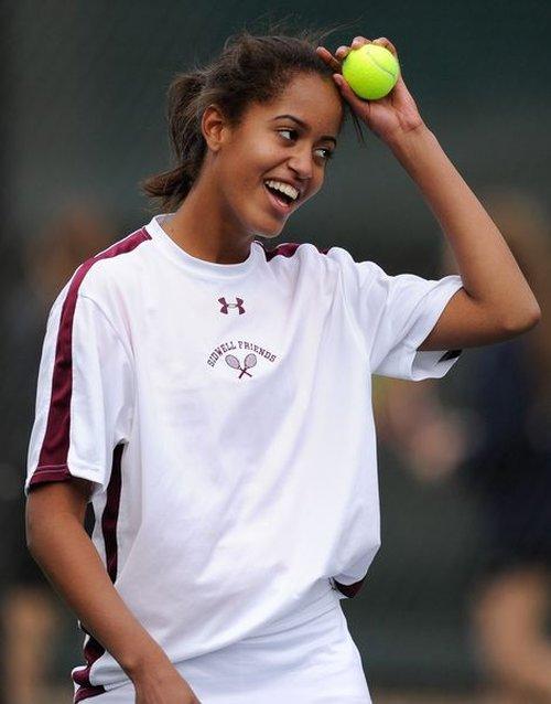 14-letnia Malia Obama - cały tatuś? (FOTO)