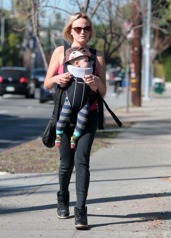 Malin Akerman przyłapana z synkiem (FOTO)