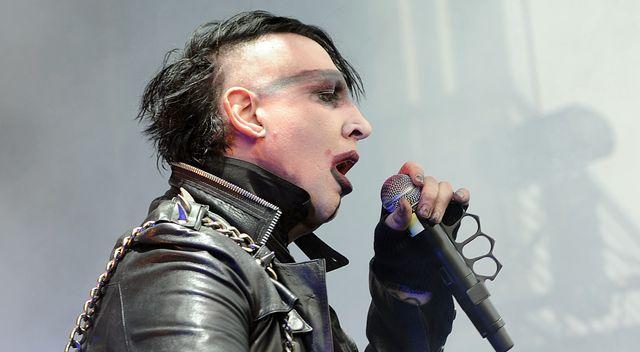 Manson miał poważny wypadek na scenie. Spadła na niego konstrukcja (VIDEO)