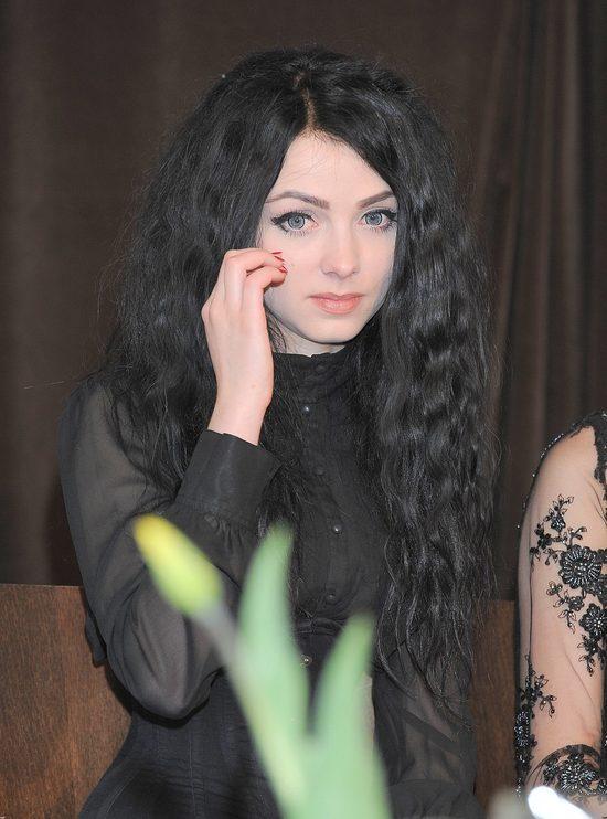 Mamiko w czarnych koronkach na premierze Pe�ni (FOTO)