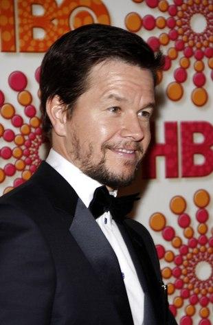 Mark Wahlberg usuwa tatuaże przy dzieciach