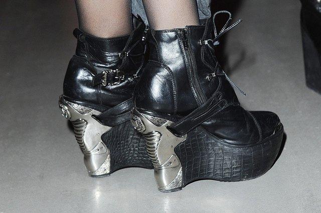 Marina Łuczenko w wielkim futrze i podkutych butach (FOTO)