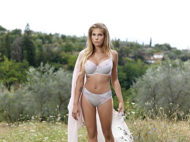 Tak Marta Wierzbicka zarabia na swoich piersiach (FOTO)