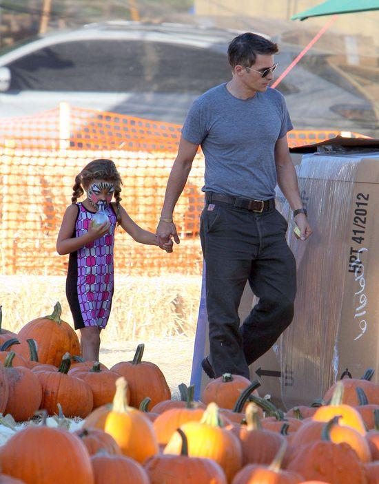 Oliver Martinez spędza czas z przybraną córką (FOTO)