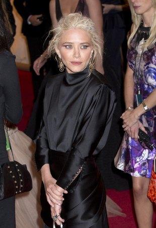 Mary-Kate Olsen jest brunetką (FOTO)