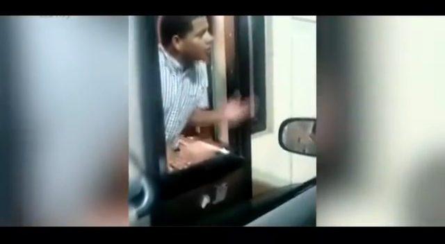 Sprzedawca w McDonald oblał wodą bezdomnego