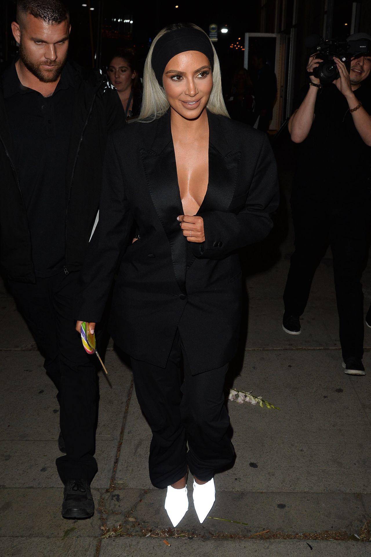 Nowa fryzura Kim Kardashian - jeszcze nie widzieliśmy jej w takim koczku