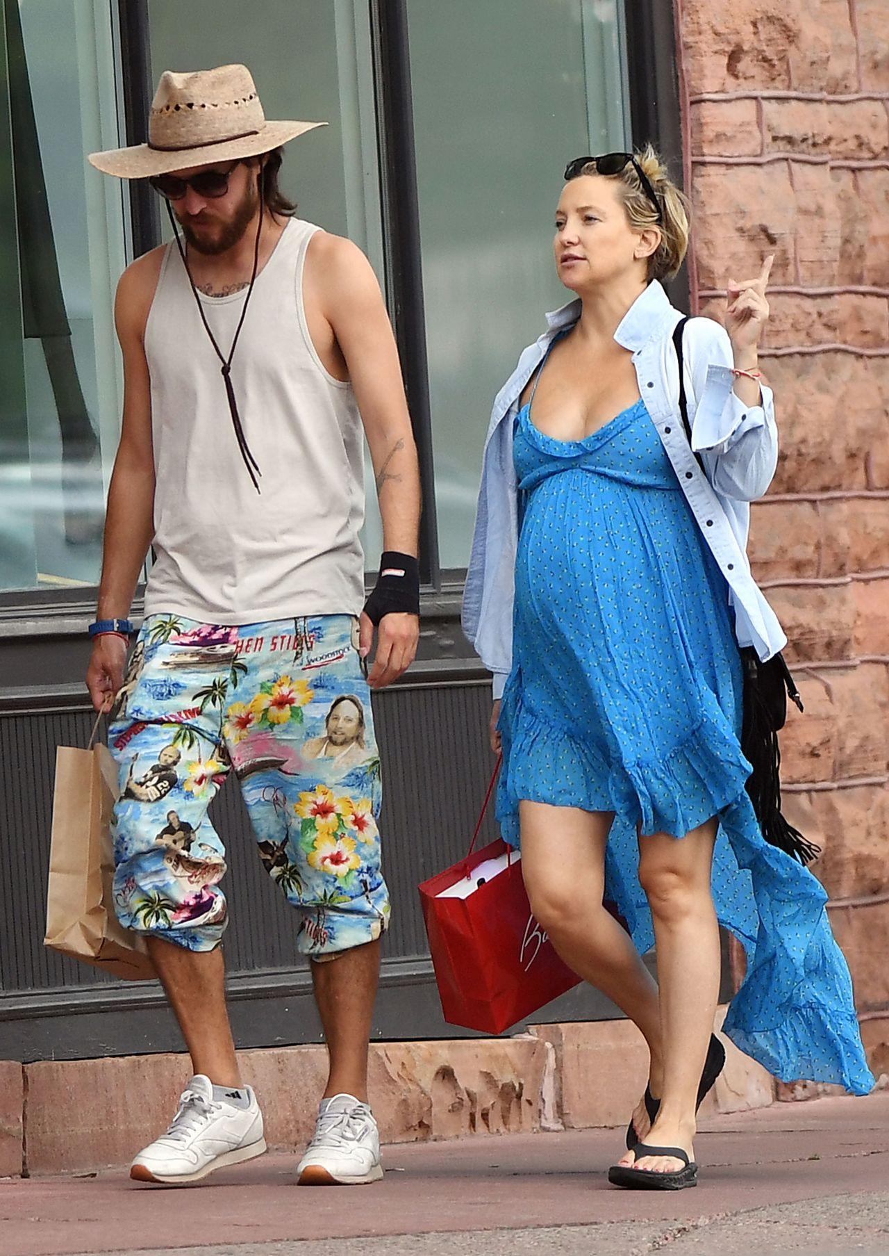 Trzy tygodnie po porodzie Kate Hudson jest już na siłowni - przesadza?