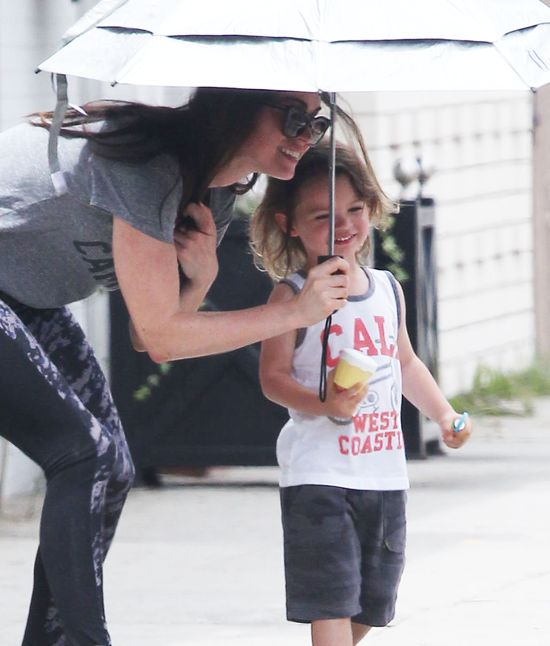 Niania nie odstępuje Megan Fox ani na krok? (FOTO)