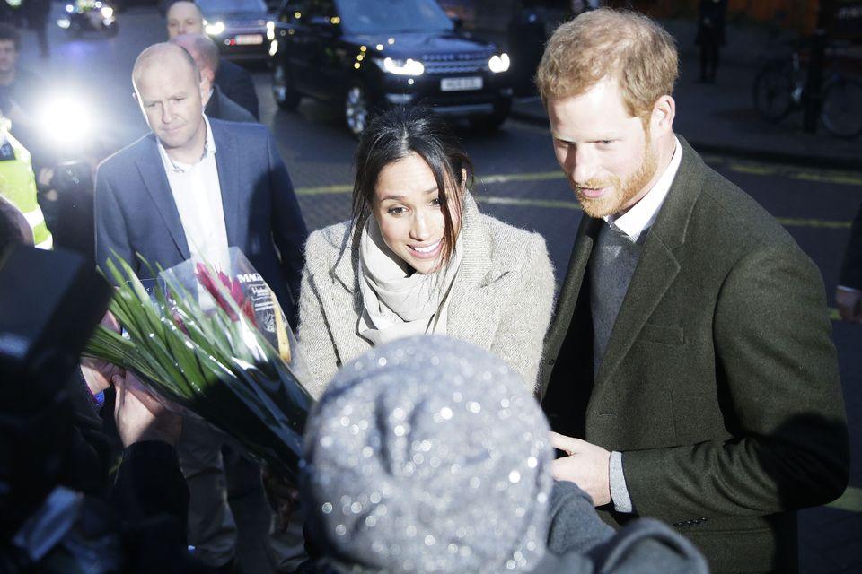 Jak mógł?! Fani Meghan OBURZENI gestem księcia Harry'ego wobec narzeczonej