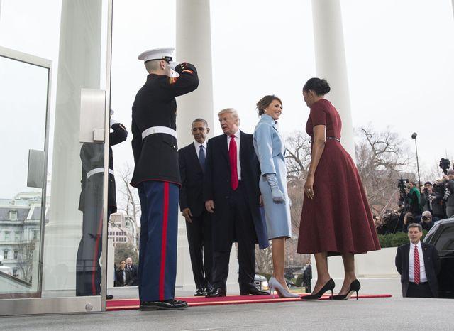 Melania Trump dała Michelle Obamie PREZENT - internet zwariował, bo...