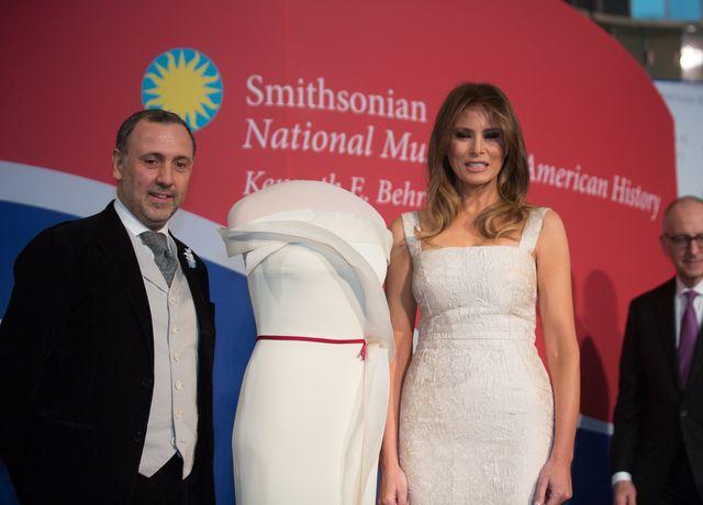 Melania Trump oddała suknię do muzeum (ZDJĘCIA)