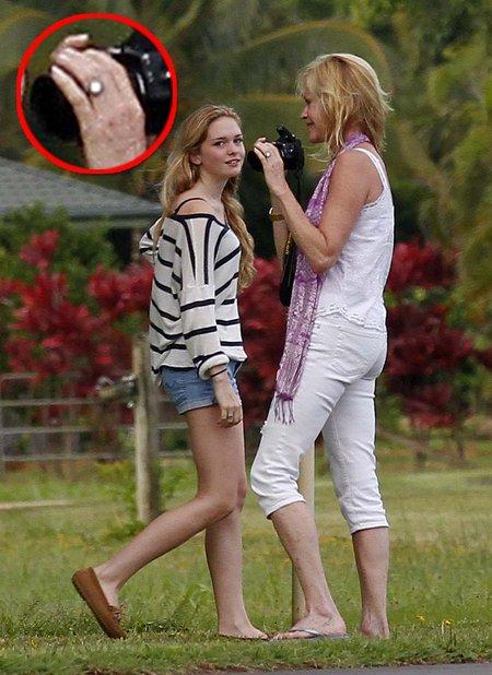 Melanie Griffith wciąż nosi pierścionek zaręczynowy!