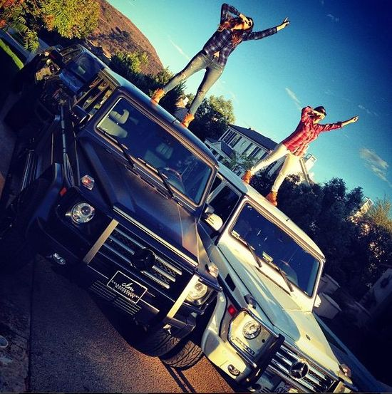 Kolekcja Mercedesów Kardashianek i Jennerek (FOTO)