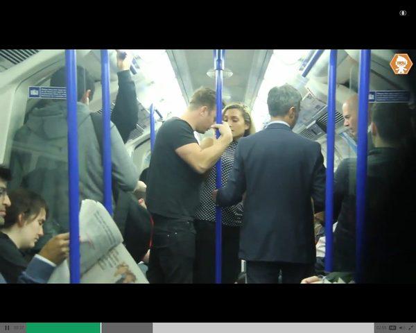 Mężczyzna napastował ją w metrze. Nagle zrobiło się gorąco