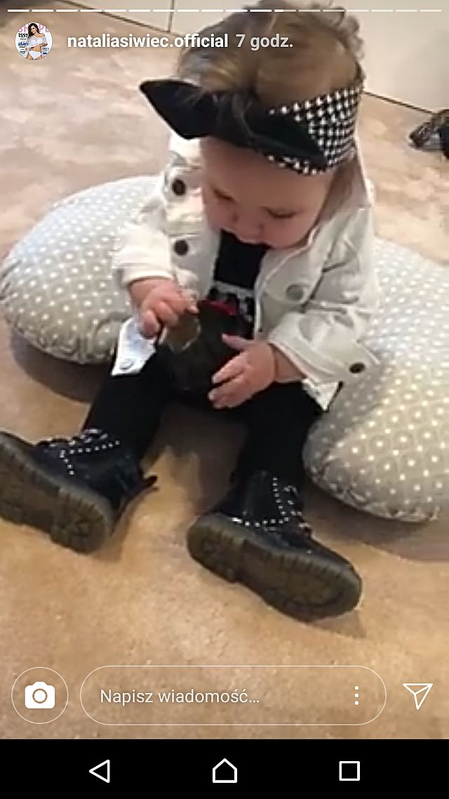 Mia już uczy się raczkować! Natalia Siwiec pokazała nagranie z córką (Instagram)