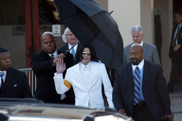 Policja odtajniła obrzydliwe szczegóły na temat życia Michaela Jacksona