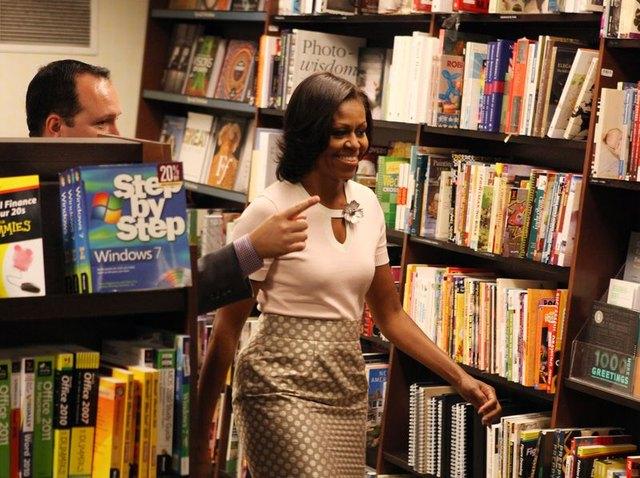 Michelle Obama promuje swoj� ksi��k� (FOTO)