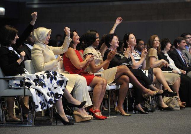 Obama udzielała rad Pierwszej Damie Francji (FOTO)